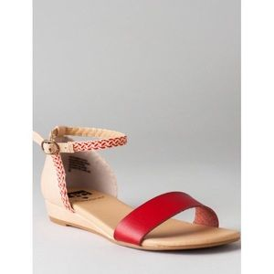 BC Francesca's Sz 7 sandal, New in box!